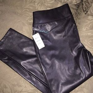 NWT INC pull on faux leather pants. 16p